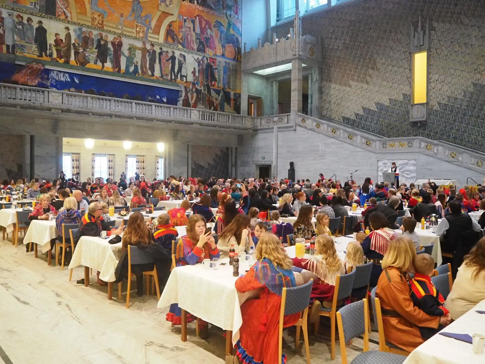 Oslo rådhus var fylt til randen under dagens feiring, gledelig!