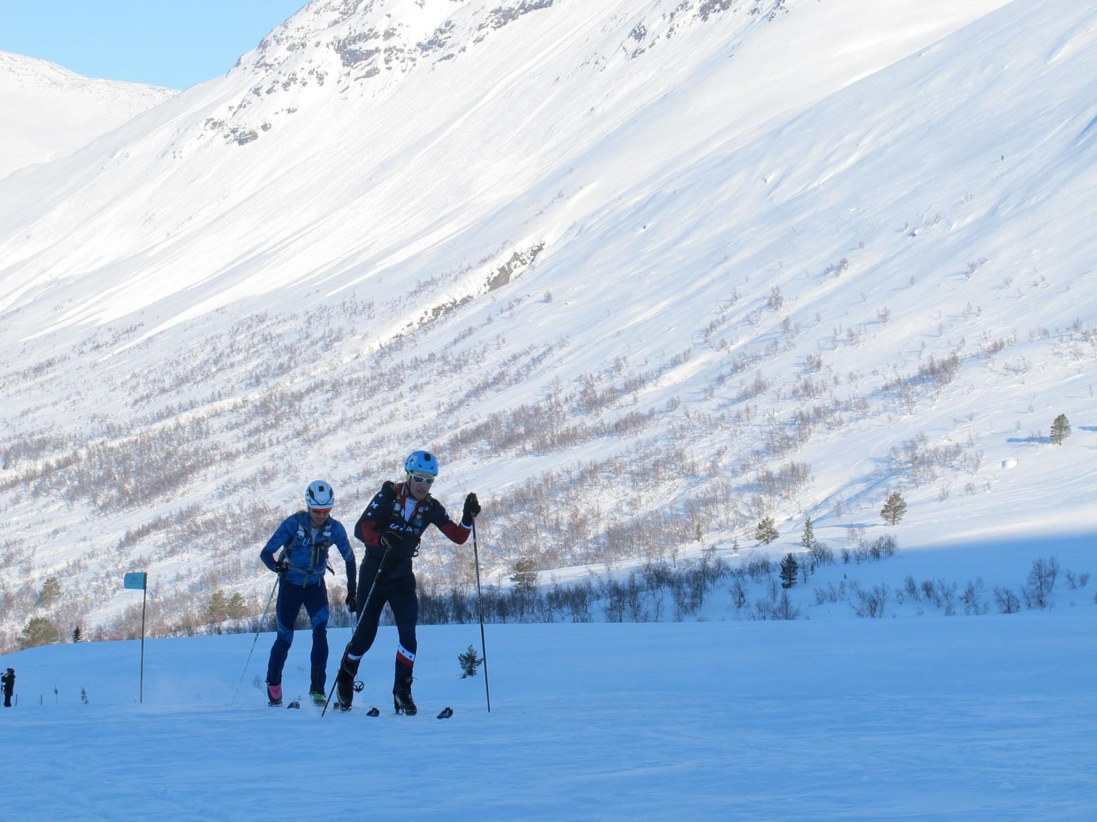 Fanatisk vêr og fine forhold i fjellet skapte dei perfekte kulissane for det første randonee-rennet i fjella rundt Stryn vinterski.