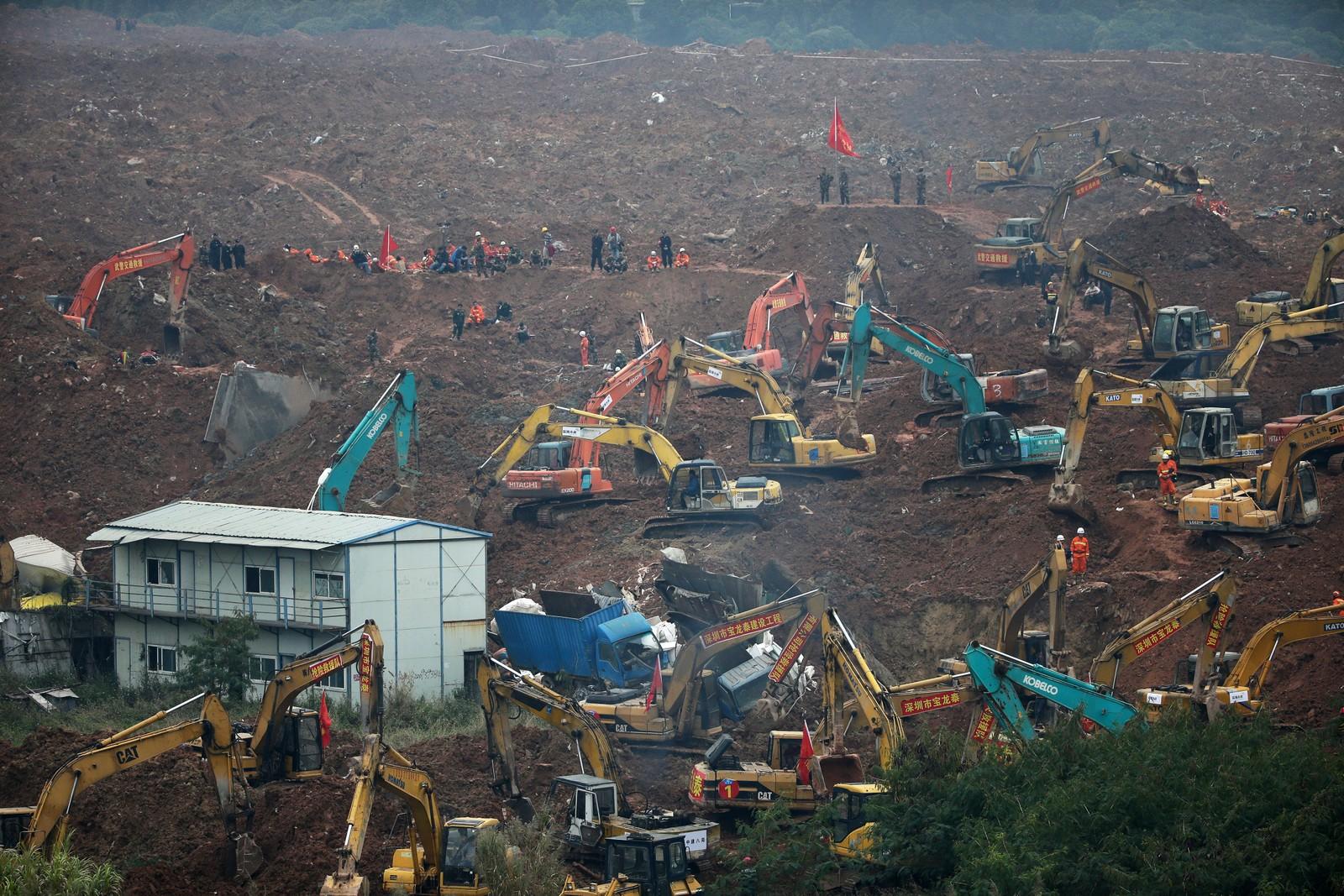 En gedigen redningsoperasjon ble satt i gang etter et jordskred i Shenzhen i Kina 20. desember. Leteområdet var på 380.000 kvadratmeter. Over 90 personer var savnet.