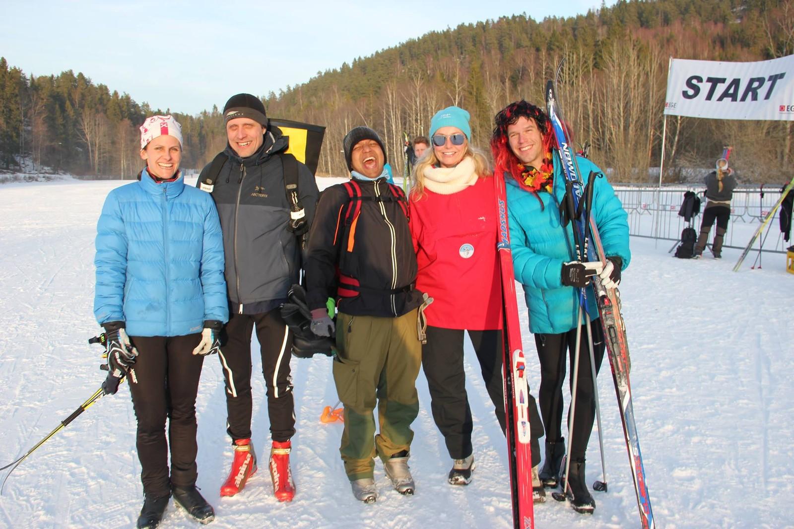 Jahangir Akash på skitur sammen med kolleger.