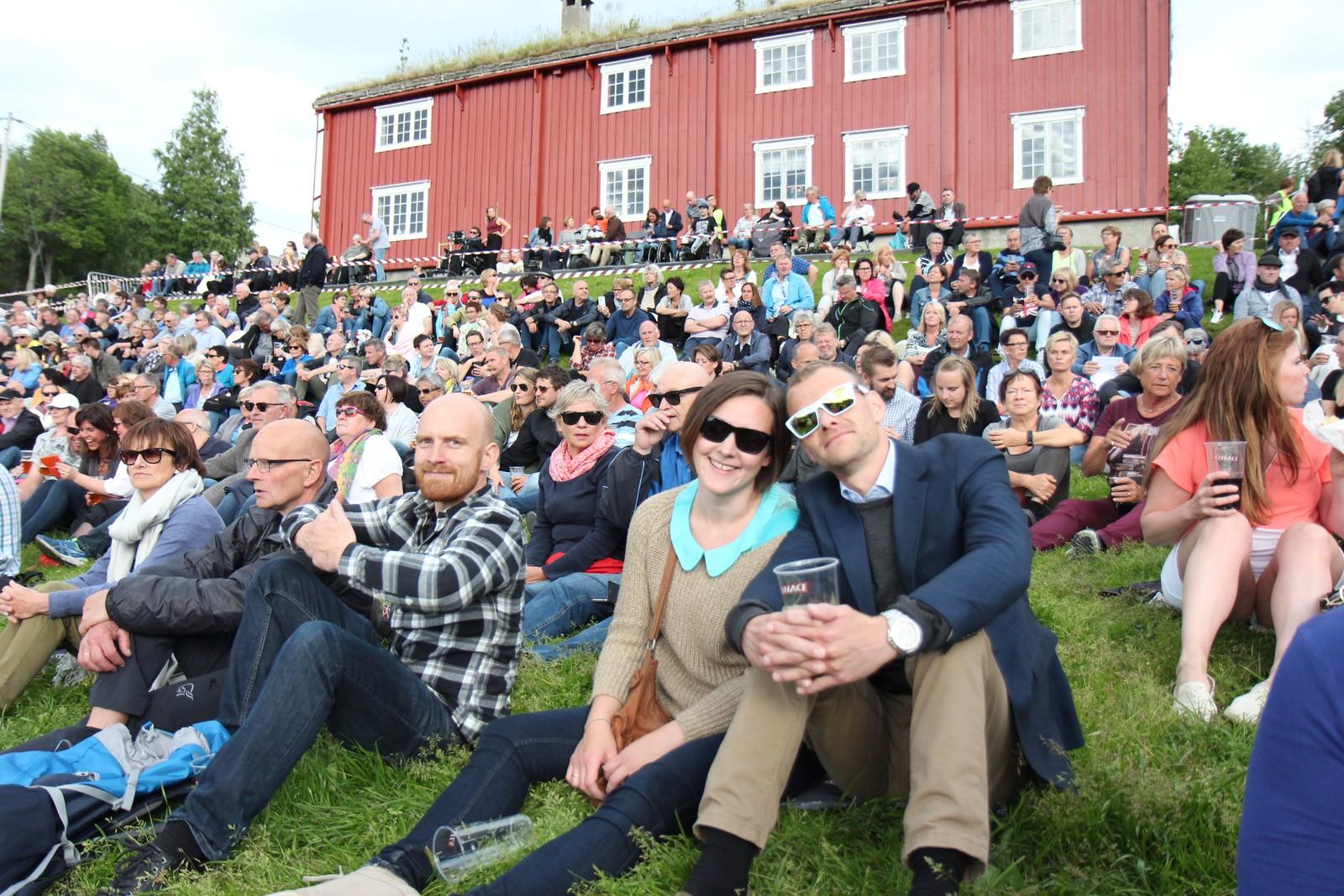 Sverresborg Arena er i ferd med å fyllast opp til Elton John-konsert.