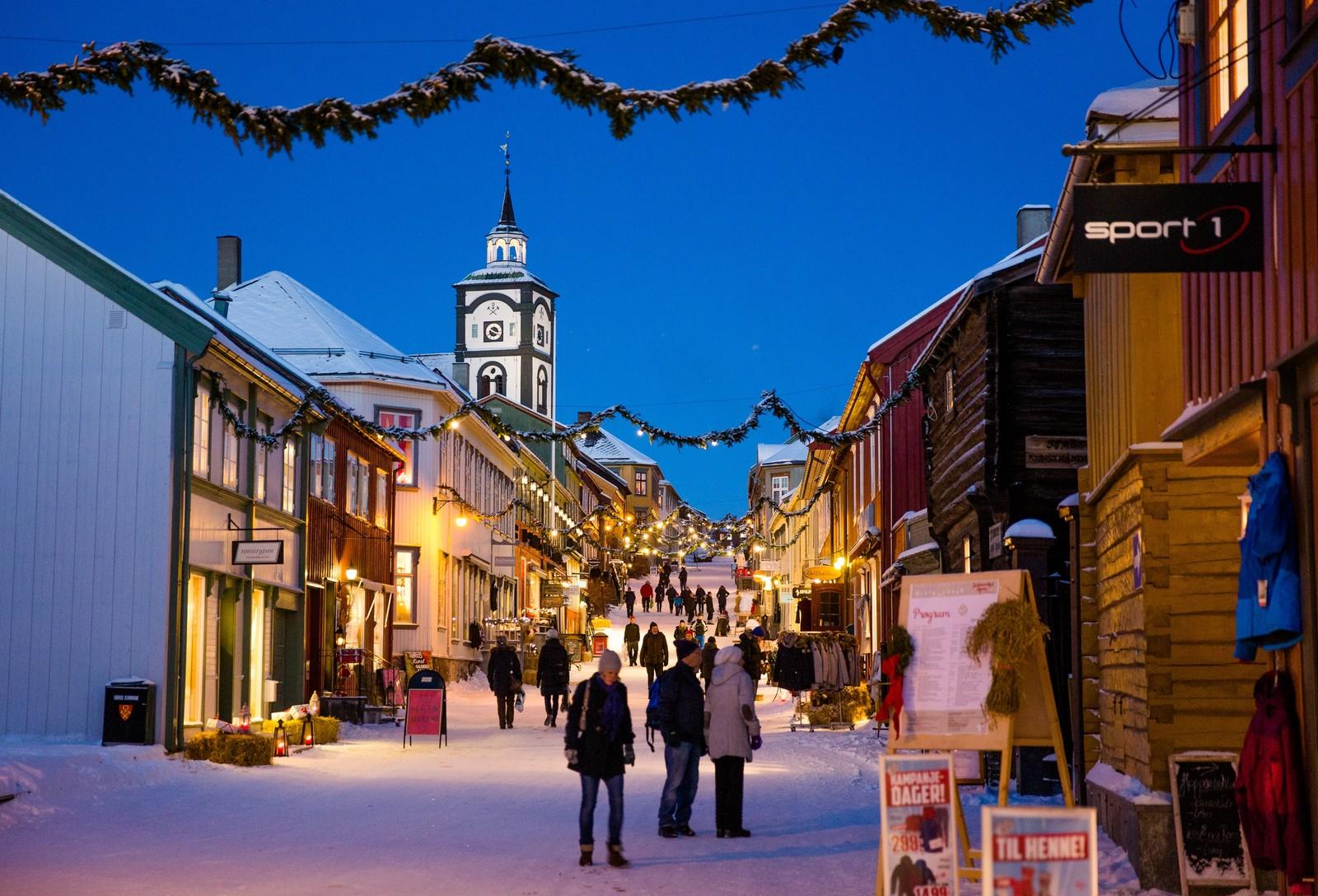 Julegatene i Røros sentrum er som hentet ut fra et filmlerret.