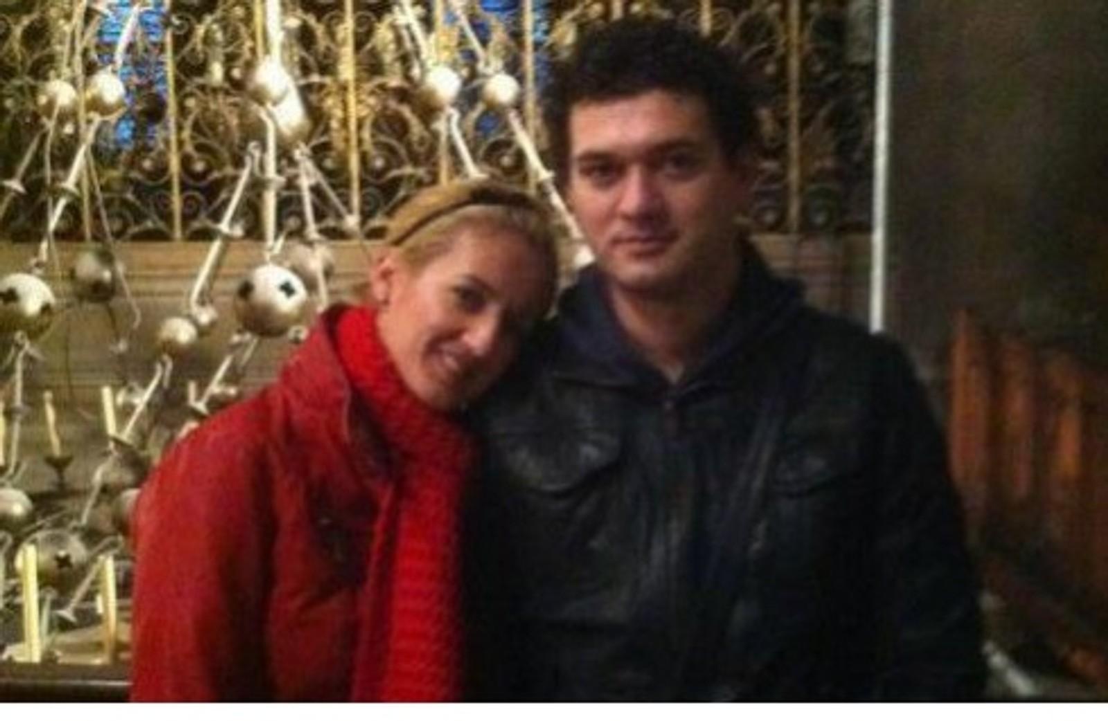 DREPT: Det rumenske paret Mariana Lacramioara Pop (29) og Ionut Ciprian Calciu (32) spiste middag på restauranten La Belle Équipe. Der ble de begge offer for terrorhandlingene.