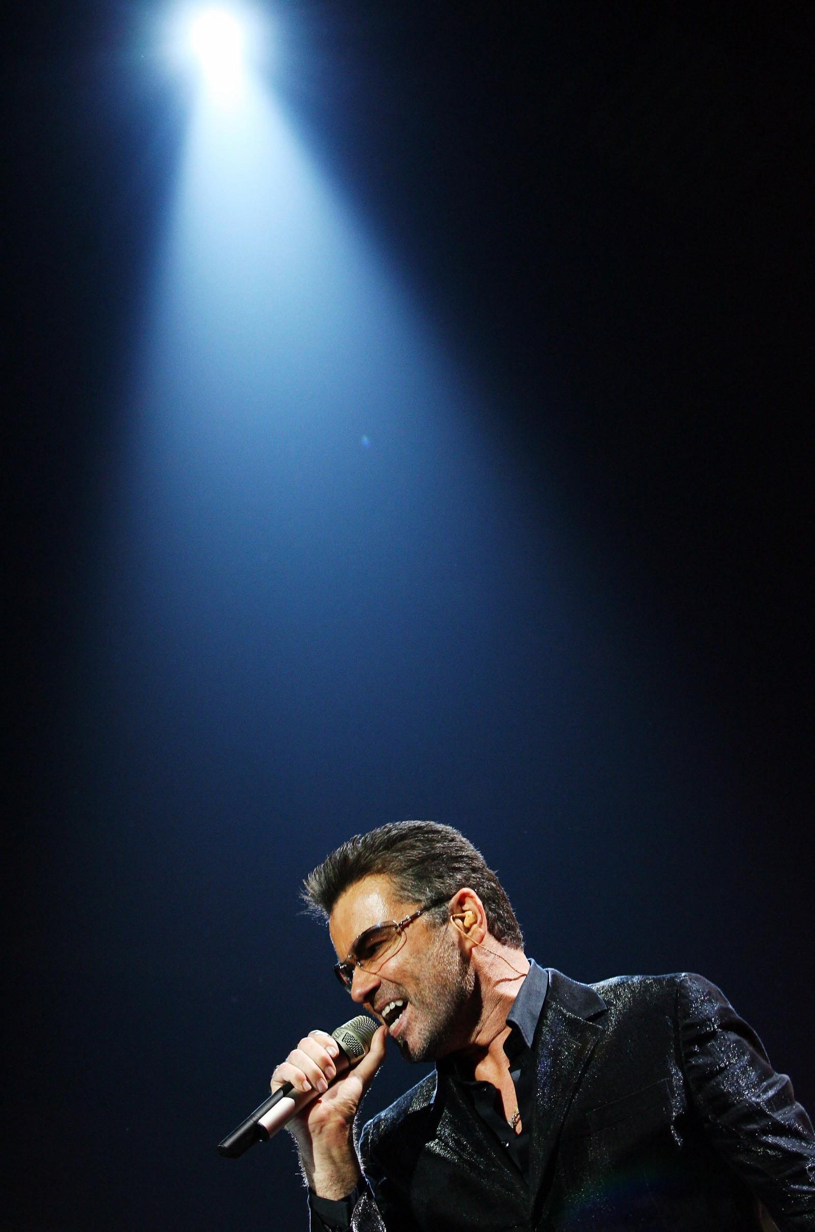 """2006: George Michael opptrer i Madrid 26. september 2006 under hans store verdensturne, kalt """"25 Live"""" som markerte at det var 25 år siden han debuterte som artist."""