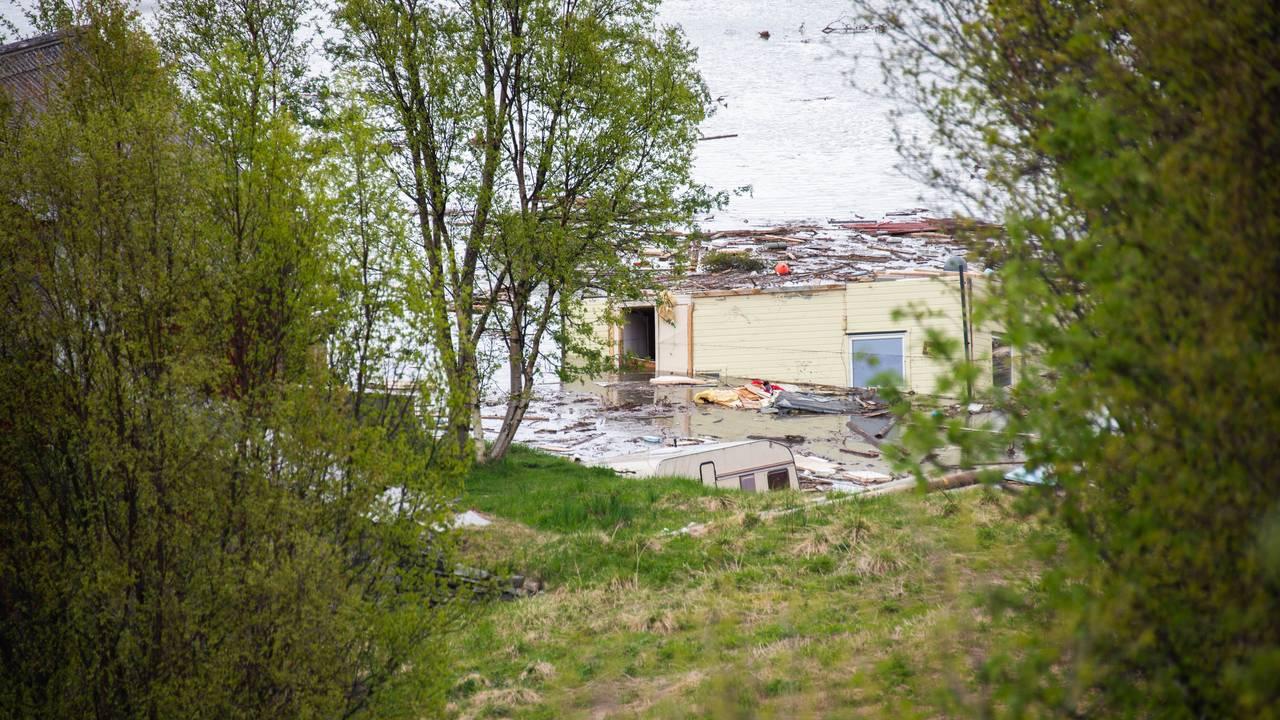 Oppryddingsarbeid etter jordskred i Alta