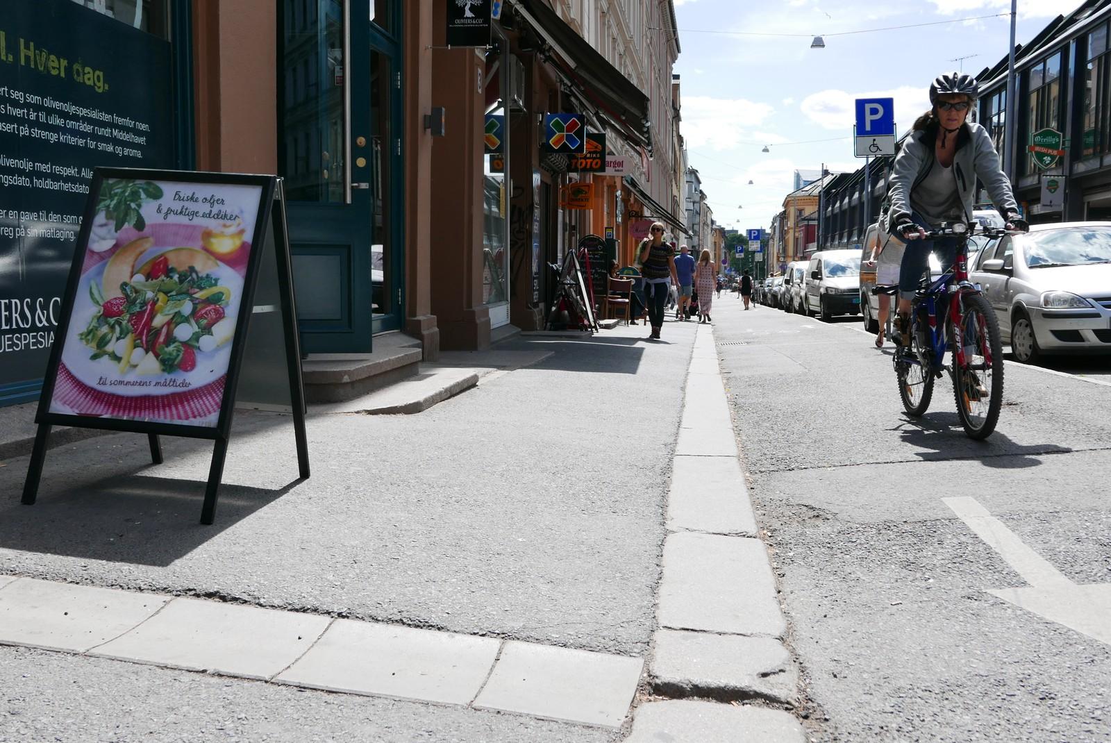 I Markveien på Grünerløkka er reklamebukkene plassert riktig.