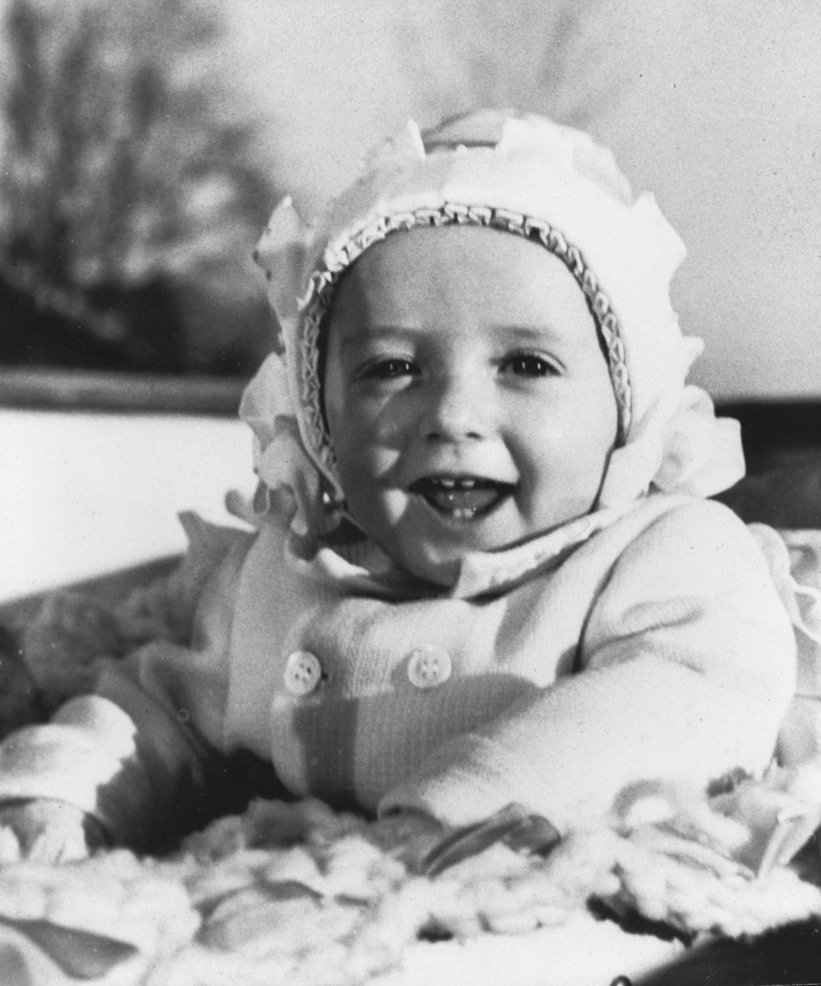 Prins Harald 9 måneder gammel i 1937.