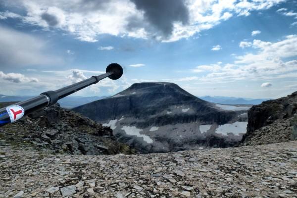 På ekstremturen over Trollhetta, mellom Jøldalshytta og Trollheimshytta. - Foto: Jonny Remmereit