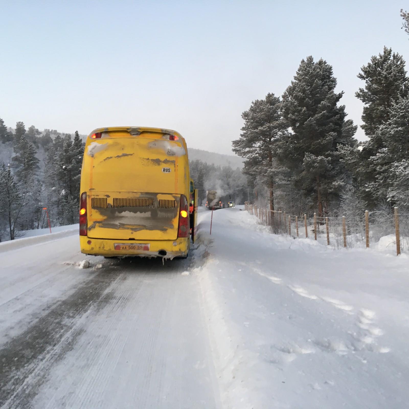 To russiske busser fikk problemer i sprengkulda