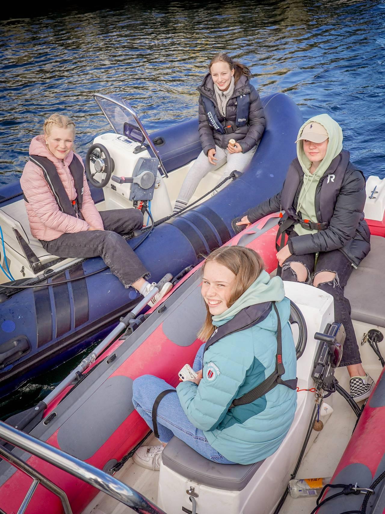 Jentegjeng på båttur