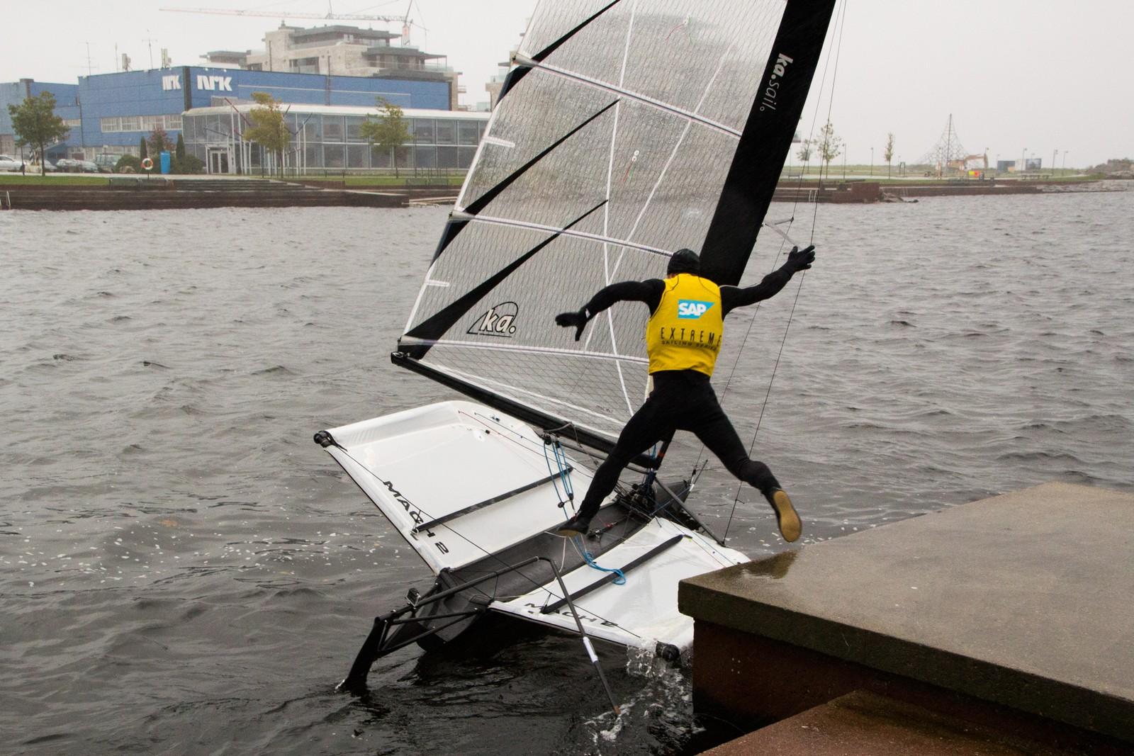 Når båten først er på vannet, er det bare å hive seg på.