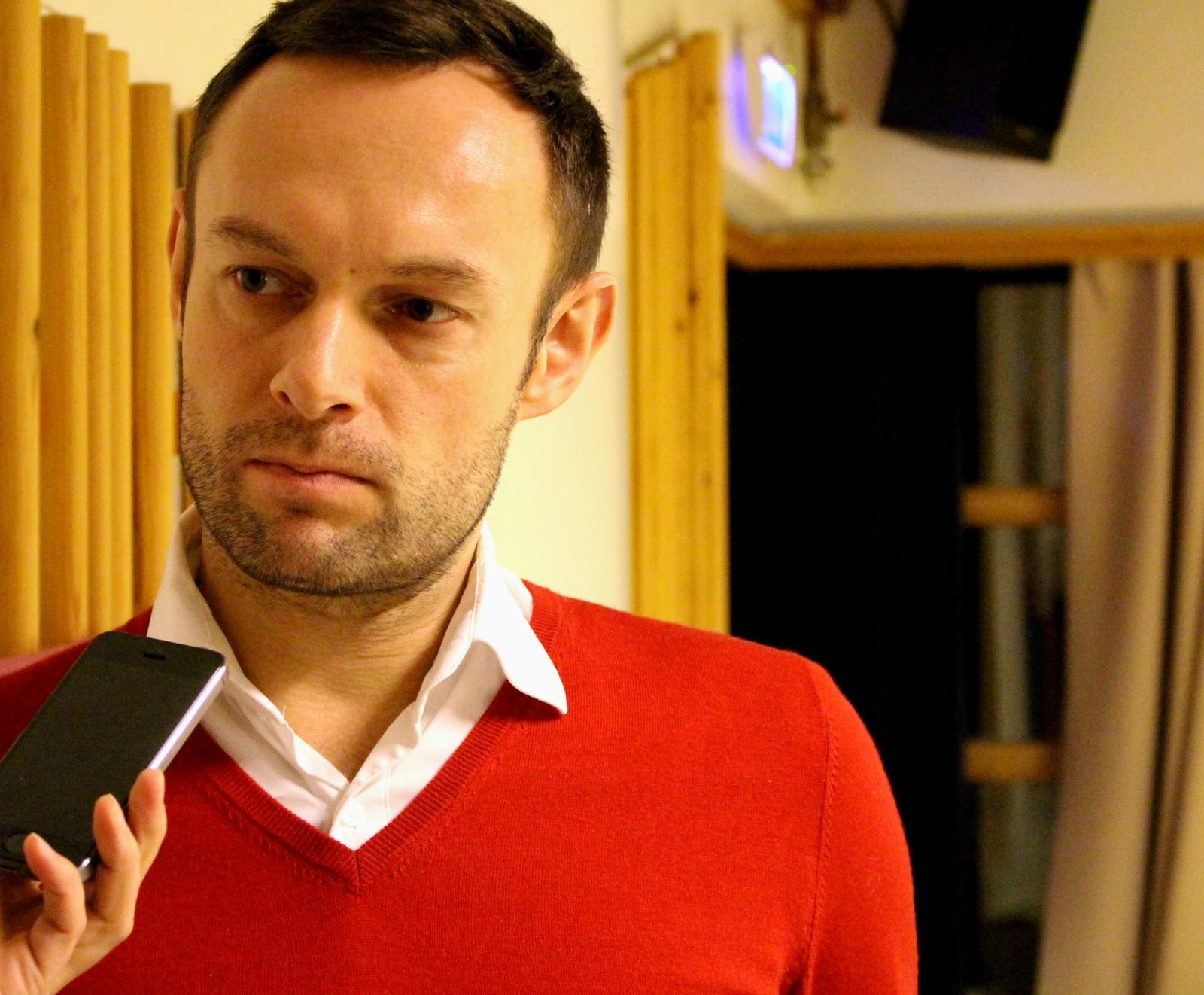 Torgeir blir intervjuet under et seminar i Alta i februar 2015.