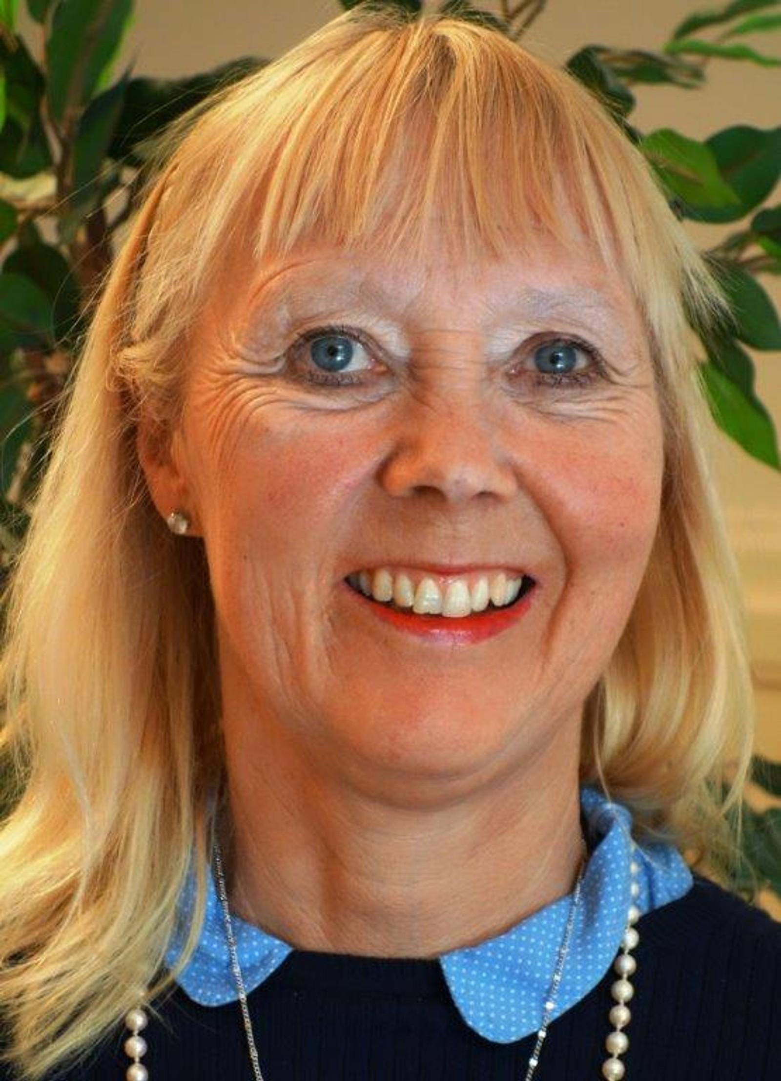 Mari Mogstad blir direktør for kommunal og justis. Vikarierer i dag som assisterende fylkesmann i Sør-Trøndelag. Begynte hos Fylkesmannen i Sør-Trøndelag som direktør i 2012.