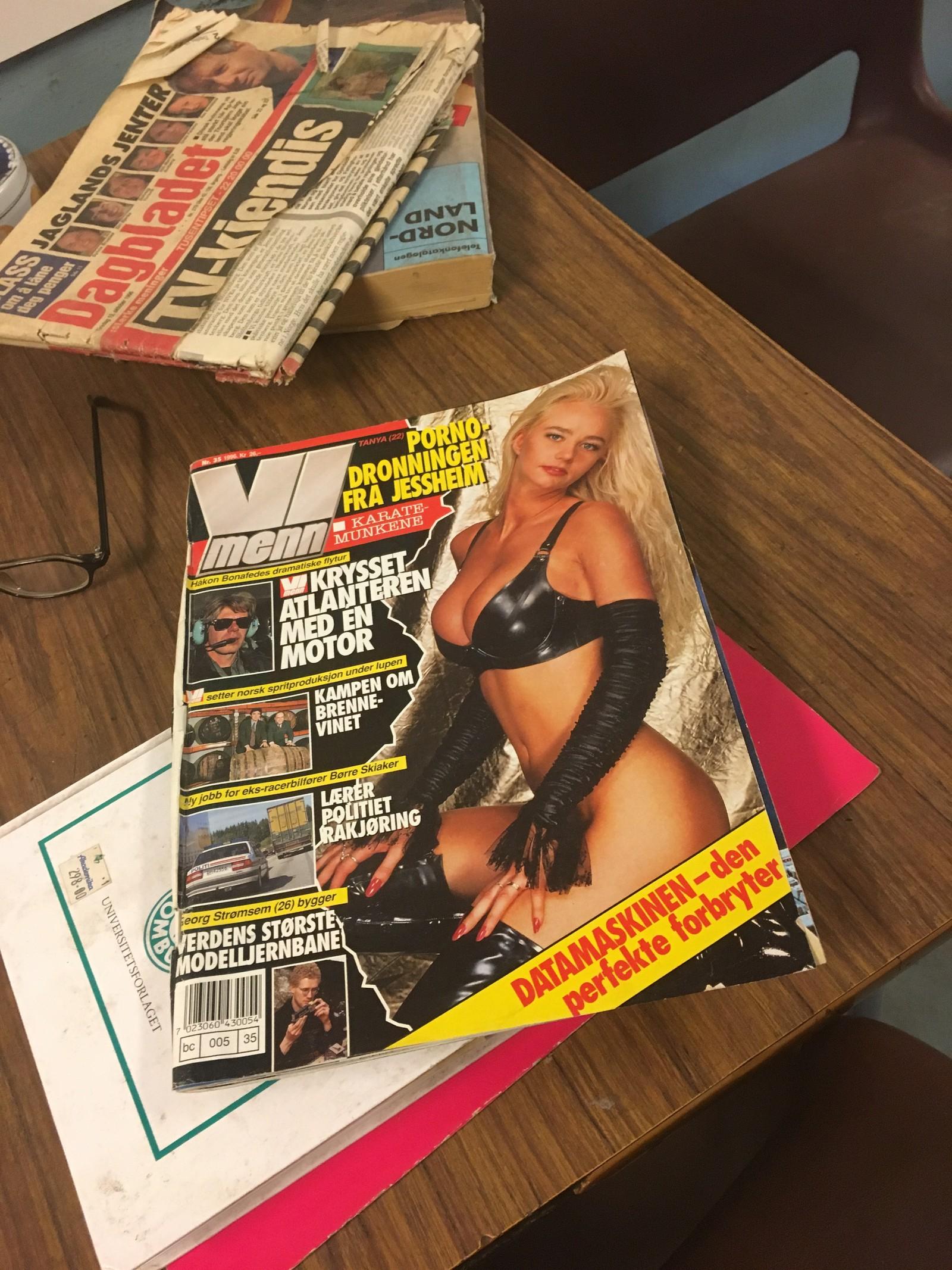 Gjenglemt blad i den nedlagte gruva. Tanja vet kanskje ikke selv at hun har vært på Svalbard?