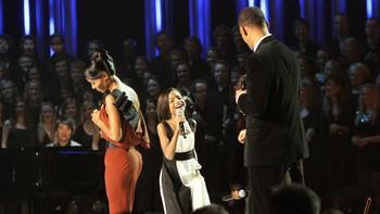 Jada ogWill Smiths datter Willow Camille (8) dro igang Michael Jacksons-hyllesten på Nobelkonserten.
