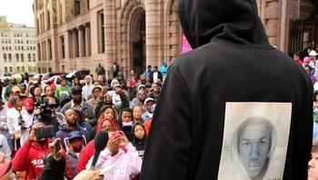 Frå ein demonstrasjon i St. Louis i Missouri fredag 23. mars.