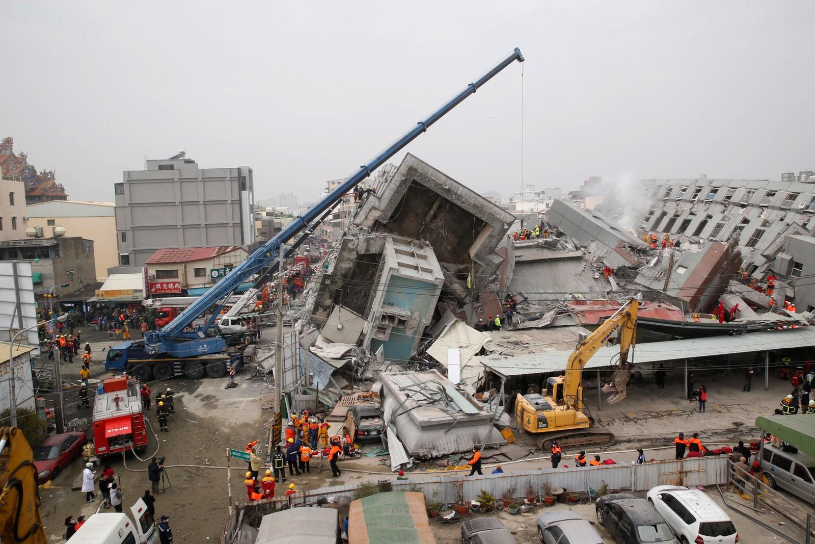 Skjelvet gjorde store ødeleggelser, og flere bygninger i byen Tainan kollapset