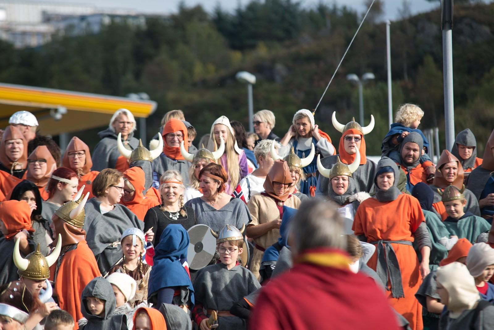 Det ble forsøkt å sette verdensrekord i antall vikinger langs løypen på Sotra i dag.