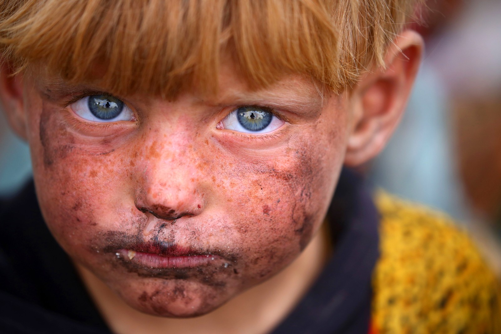 En syrisk gutt er akkurat nå i en midlertidig flyktningleir i Ain Issa i Syria.