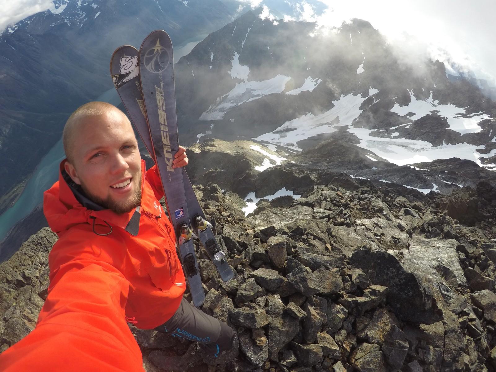 Nilssen nådde endelig toppen av Store Kjostind.