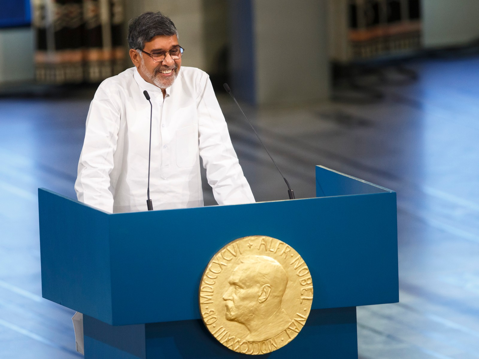 HOLDT RØRENDE TALE: Nobel Peace Prize winner Kailash Satyarthi, from India smiles as he makes an address after being awarded the Nobel Peace Prize during the Nobel Peace Prize award ceremony in Oslo, Norway, Wednesday, Dec. 10, 2014. The Nobel Peace Prize is being shared between Malala Yousafzai, the 17-year-old Taliban attack survivor, and the youngest Nobel Prize winner ever, and Indian children's rights activist Kailash Satyarthi in a ceremony in Oslo on Wednesday.