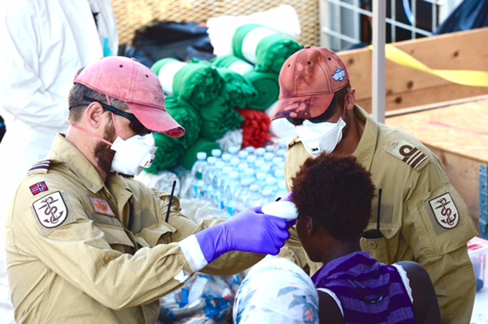 Mannskapet ombord i Siem Pilot sjekket også om flyktnigene hadde feber. Etterlatte av de omkomne trengte ekstra oppfølging.
