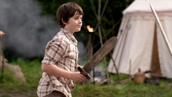 Norsk dramaserie. (10:24)Kevin har utfordret Peder til duell om hansken, men han kan jo ikke fekte! Heldigvis vet han om noen som kan hjelpe.