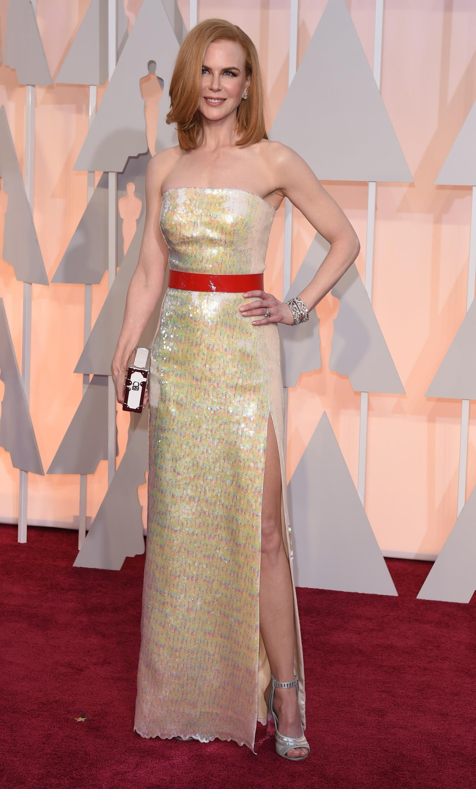 NEST VERST: Overraskende harry glitterkjole på Nicole Kidman, mener NRKs ekspert.