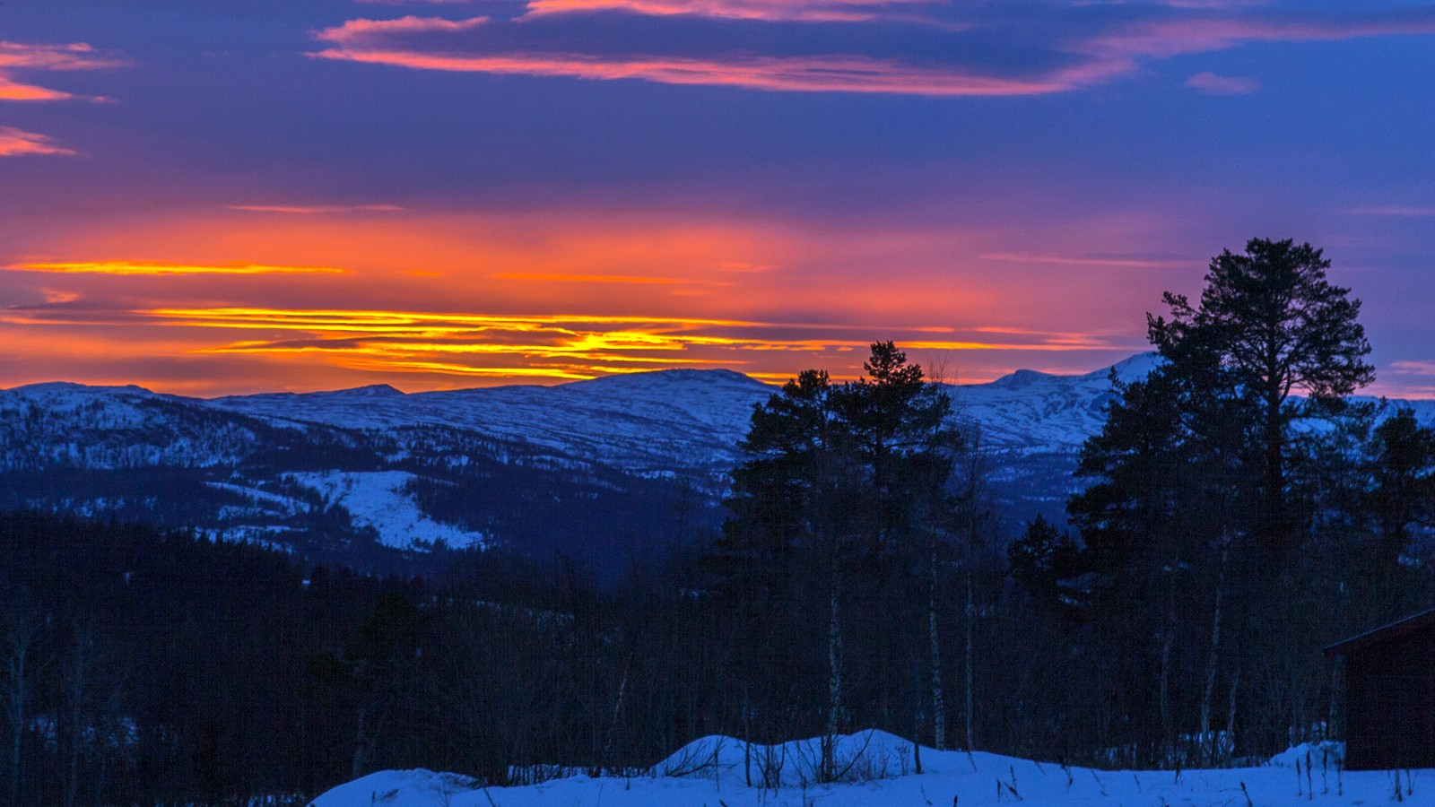 Solnedgang over Trollheimen