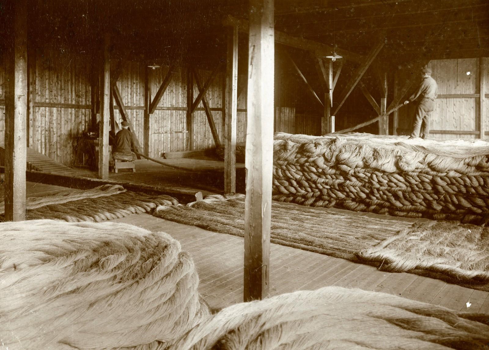Tjæreloftet før brannen i 1910. Fotograf ukjent