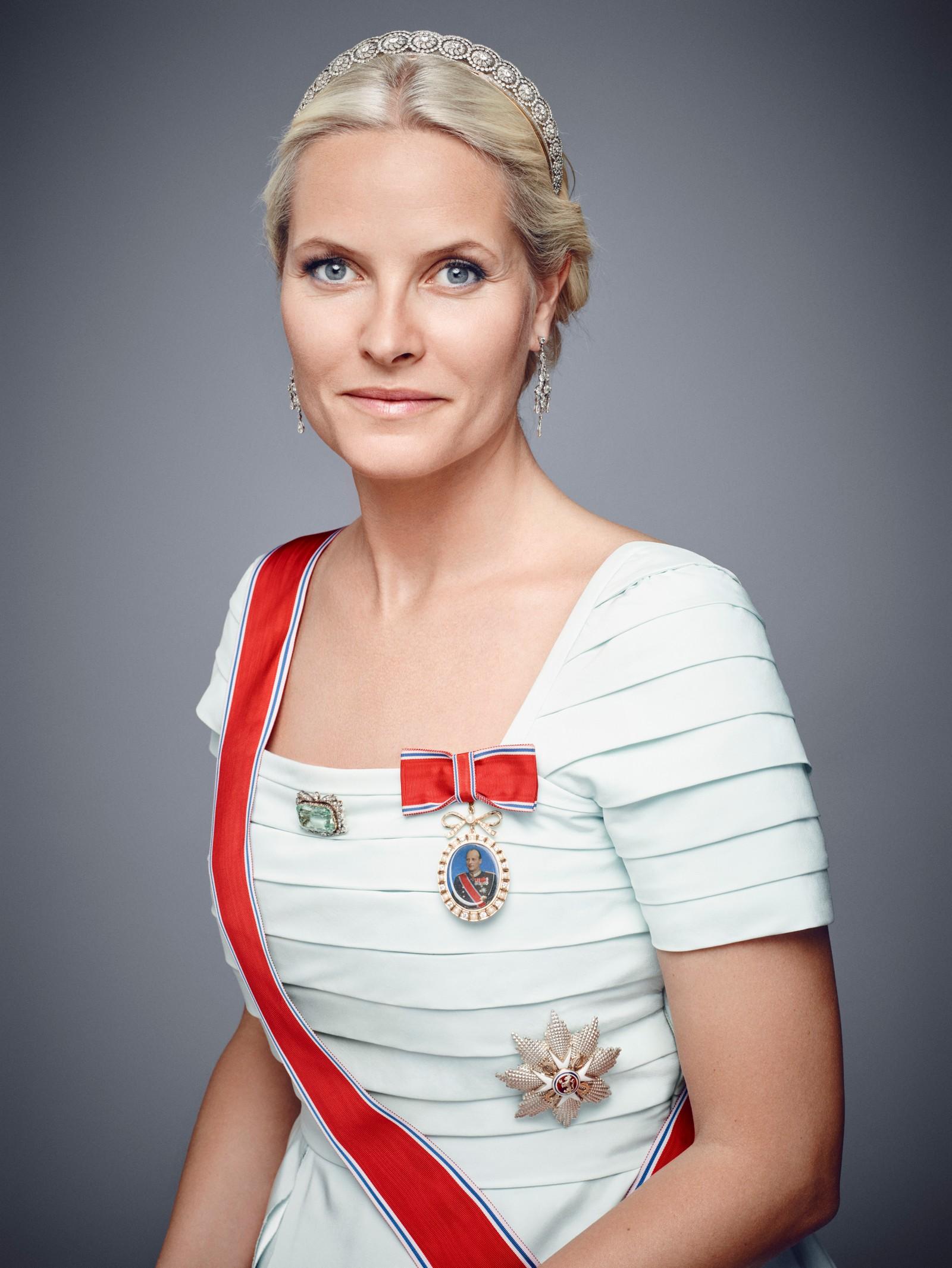 Kronprinsesse Mette Marit i galla.
