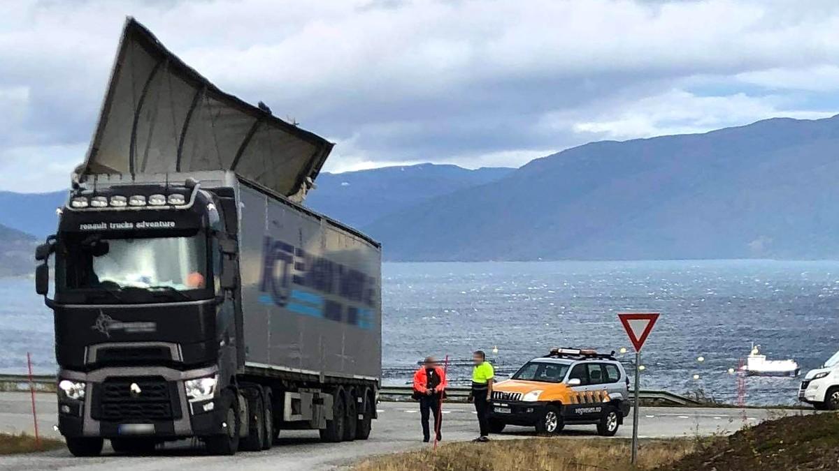 Vogntog skadet av sterk vind.
