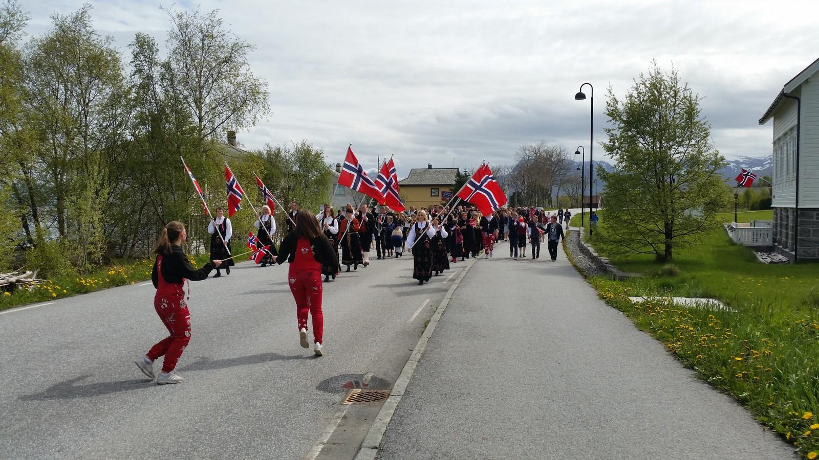 17.mai-feiring på Haramsøya.