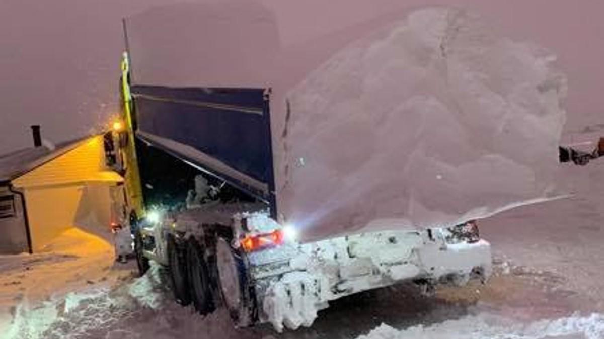 Det kan bli store snømengder og dårlig vær i Finnmark på lørdag og søndag.