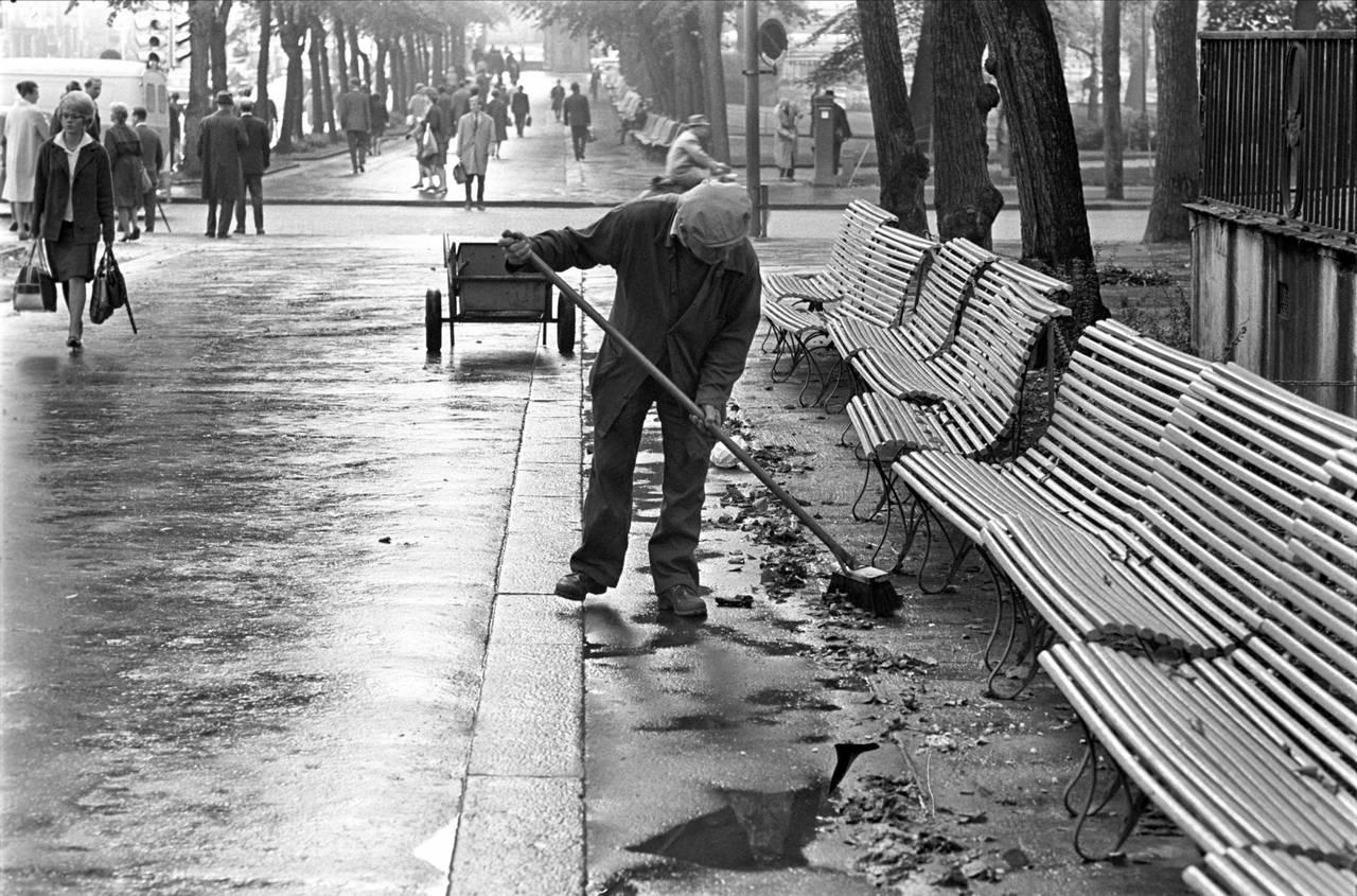 Gatefeier i Studenterlunden, Oslo, 1962.