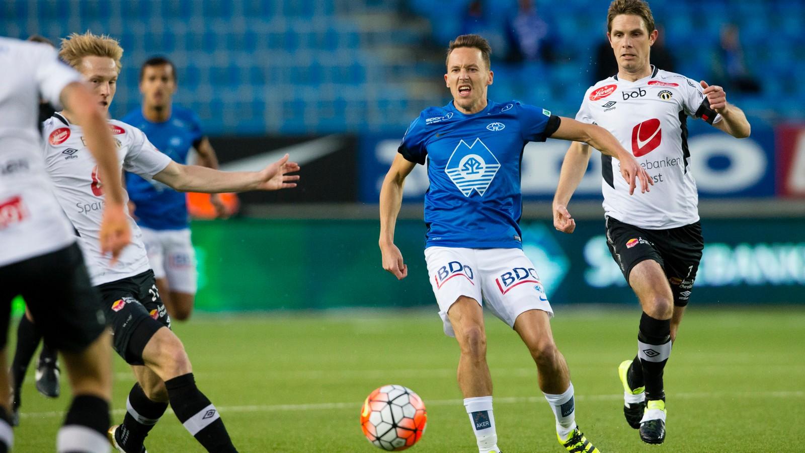 Mattias Moström og Rune Bolseth (t.h.) i eliteseriekampen mellom Molde og Sogndal på Aker Stadion.