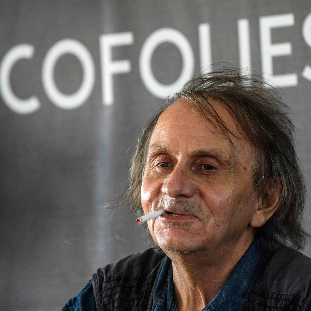 2019: Michel Houellebecq på musikkfestivalen Francofolies Music Festival. Ganske rocka i stilen.