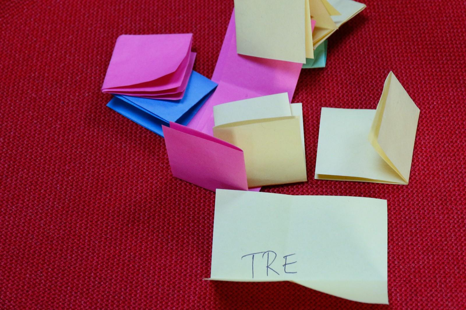 KREATIVITET: Hadde du klart å skrive ein låttekst basert på dette eine ordet?