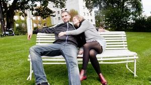 holde hendene i dating