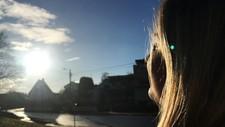 ENDELIG SOL: Vi påvirkes positivt av lyset og varmen som dukker opp om våren. Illustrasjonsfoto.