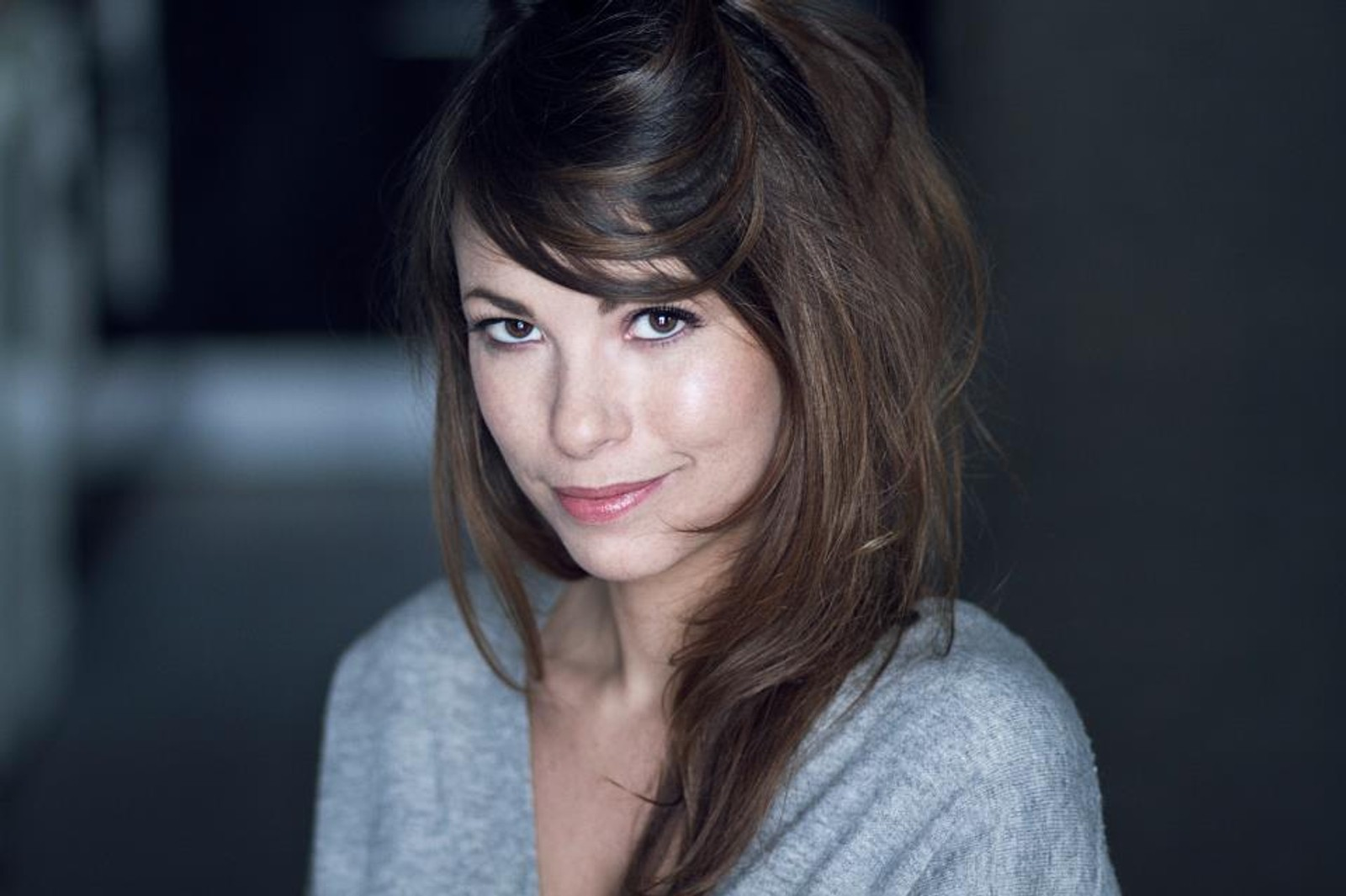 DREPT: Franske Lamia Mondeguer var en skuespiller som jobbet hos teaterstudioet NOMA. Hun og kjæresten Romain Didier ble skutt og drept da de spiste middag i Rue de Charonne.