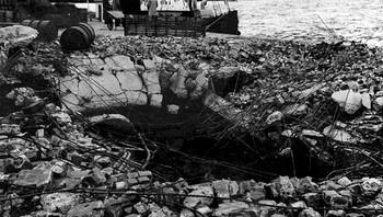 Bombekrater ved Storkaia i Molde