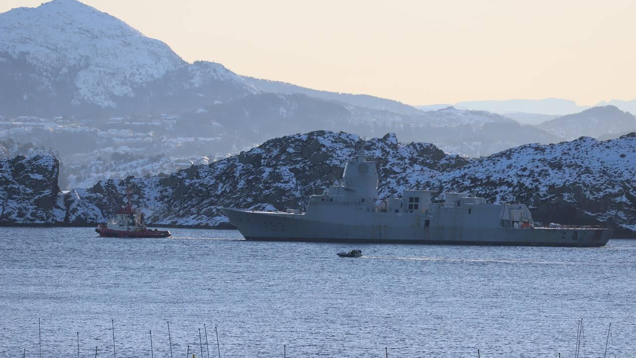 Helge Ingstad sør for Hauglandsøy
