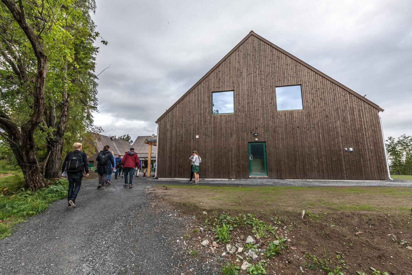 Dette nybygget huser blant annet kafé og konferansesal.
