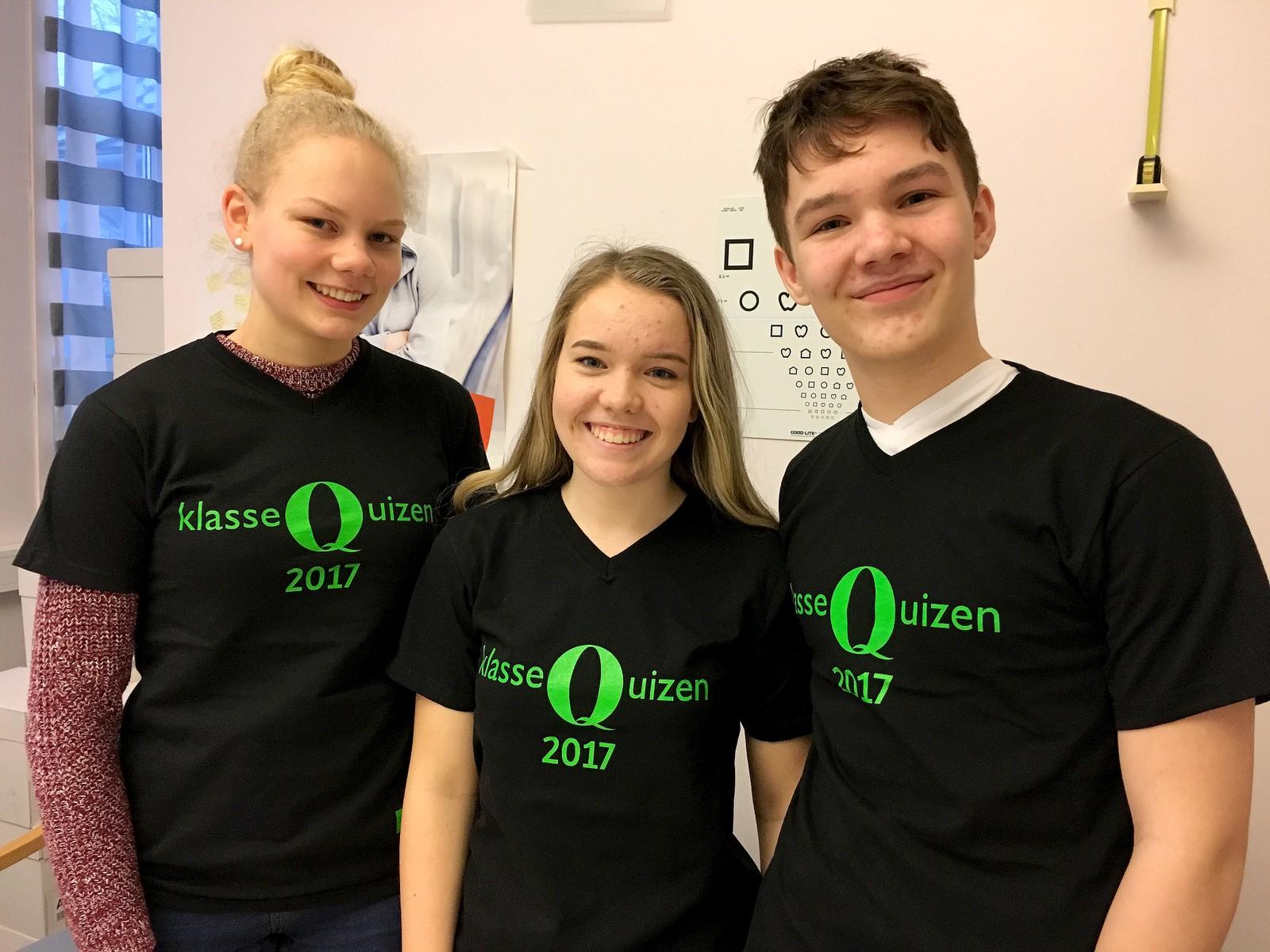 4 POENG: Meland ungdomsskule representert ved f.v: Stina Nes Sjursen, Marte Dale Monsen og Jonas Onarheim