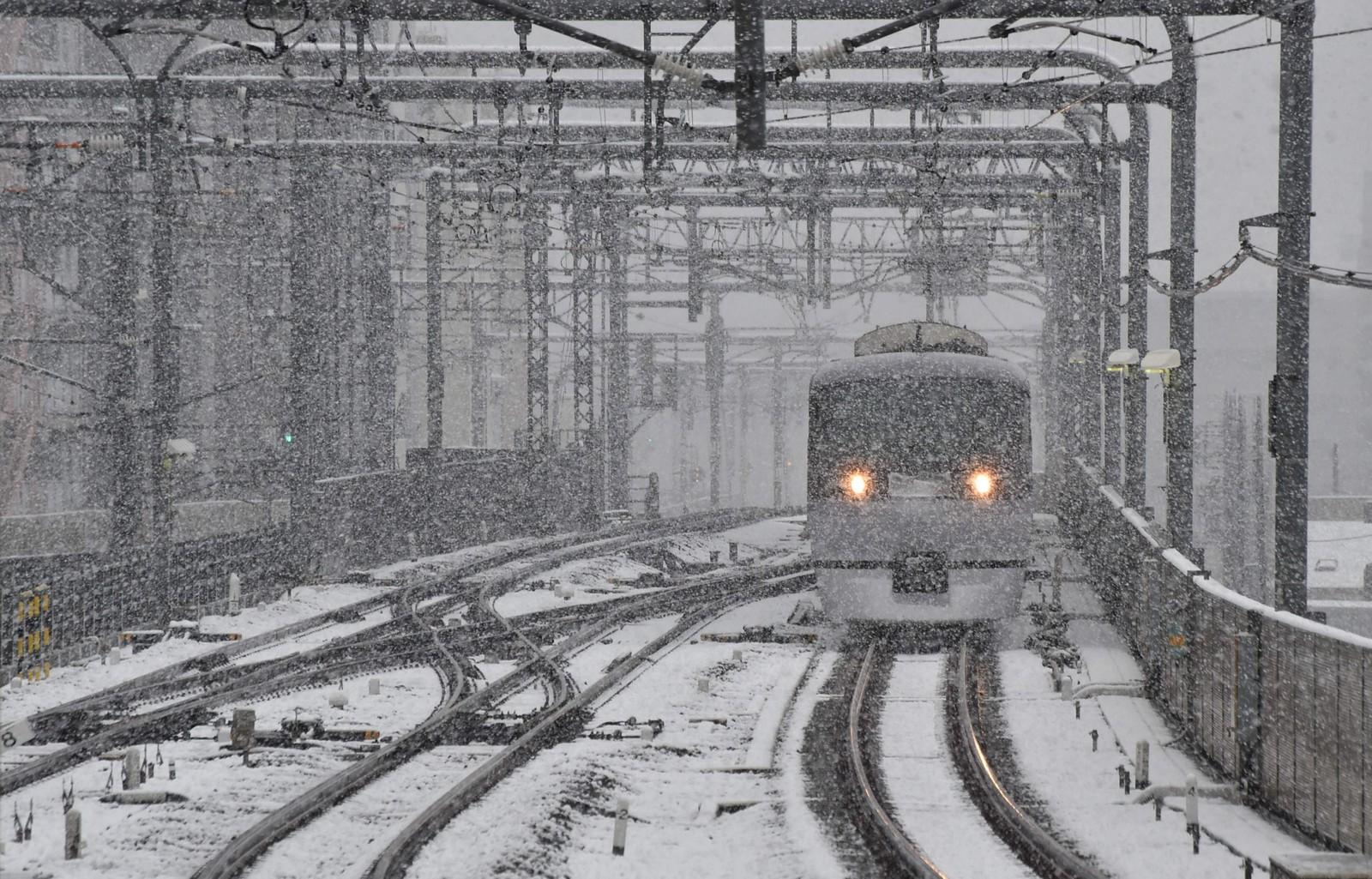 Snøen førte til forseinkingar i togtrafikken.