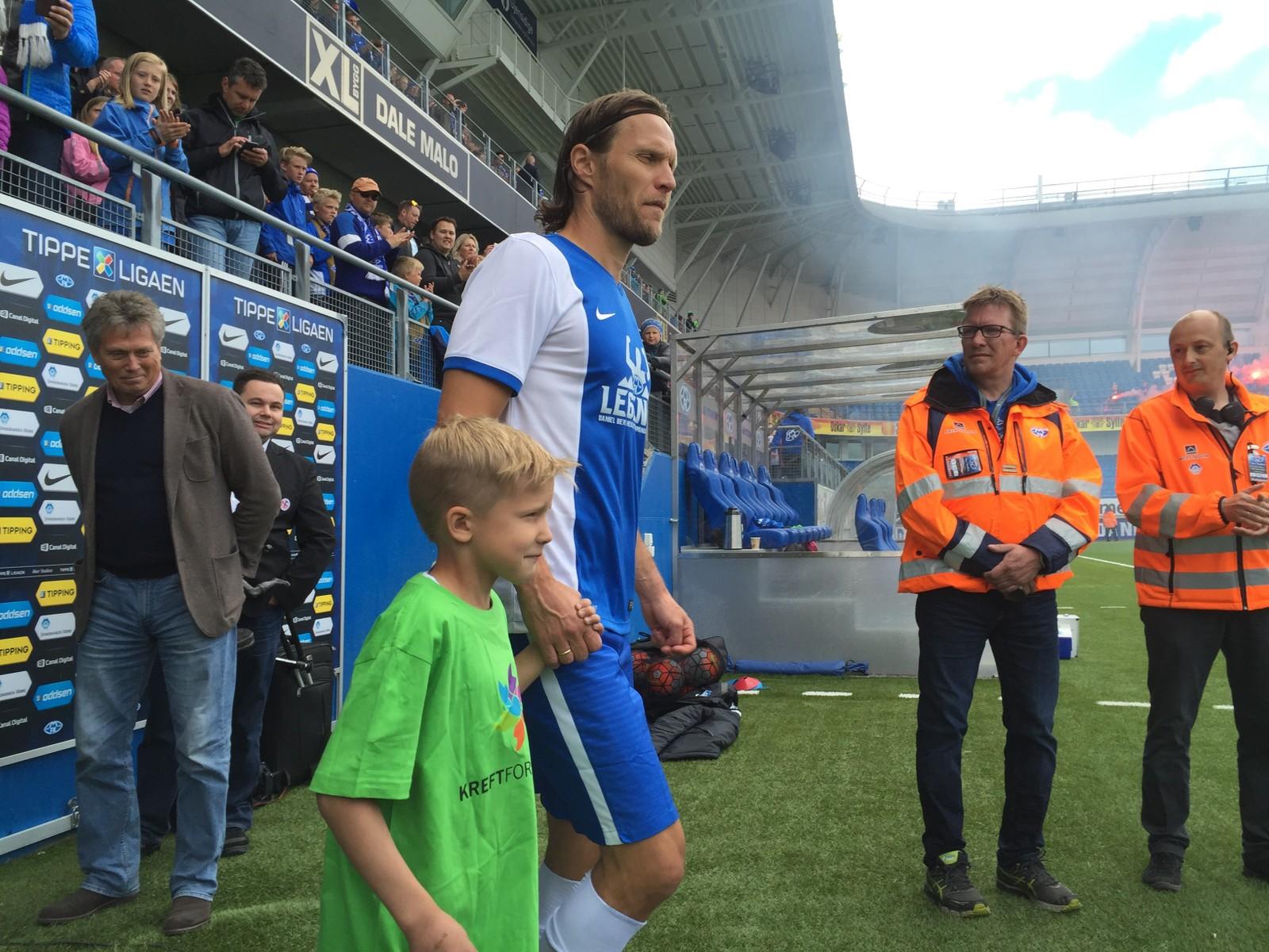 HEDRET: Berg Hestad har spilt 900 kamper for Molde. I dag er det siste dagen han spiller på Aker Stadion.