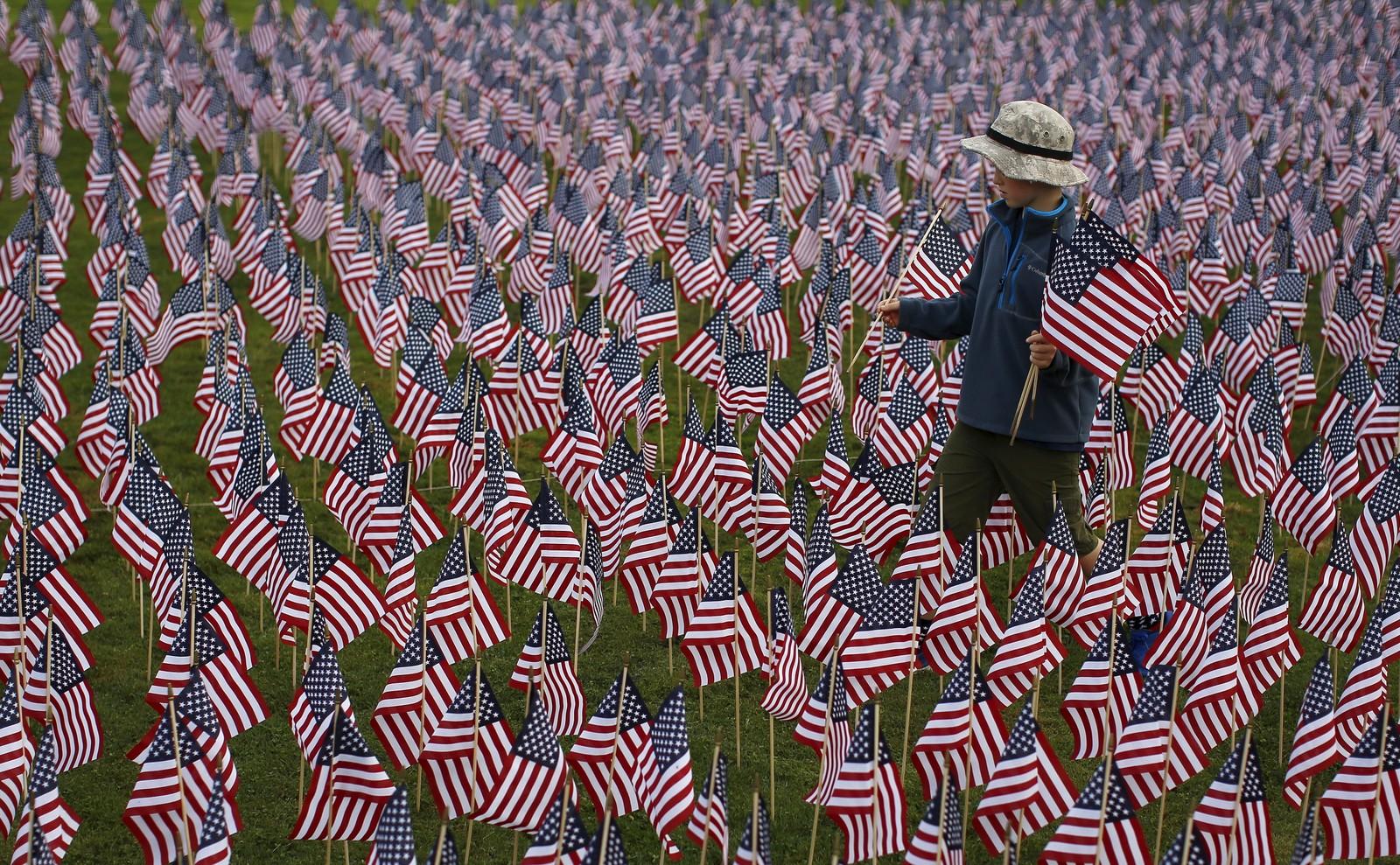 3000 flagg var plassert ut i Winnetka, Illinois, til minne om terrorhandlingene 11. september 2001.