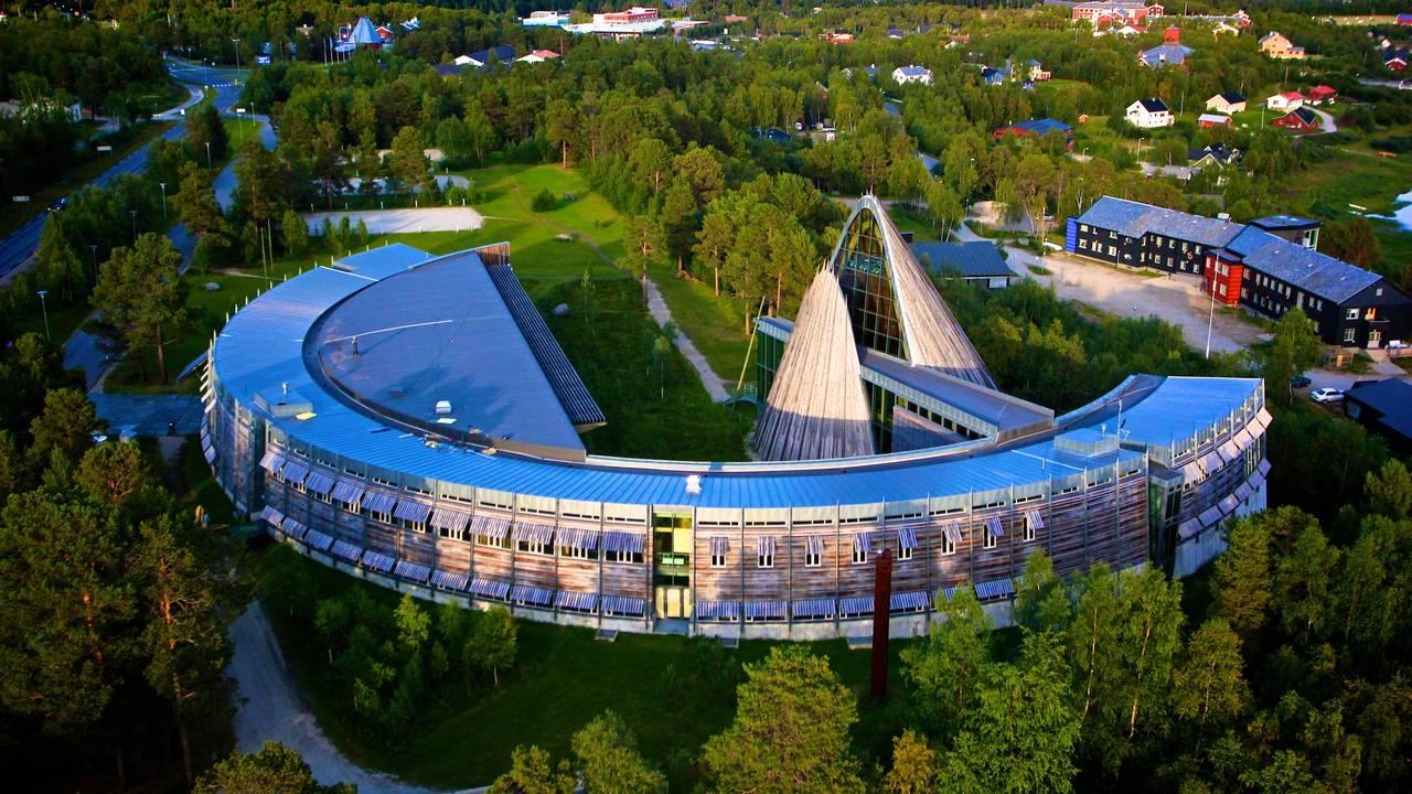 Sametingsbygningen fotografert fra lufta.