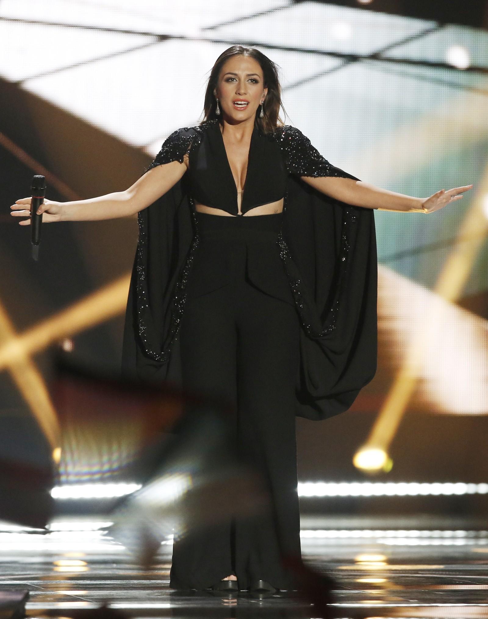 26. ALBANIA: Albania representeres av 22 år gamle Elhaida Dani med låten «I'm Alive» . Til tross for sin unge alder, har Dani allerede gjort seg bemerket i en rekke sangkonkurranser i hjemlandet, og i 2013 vant hun italienske The Voice.